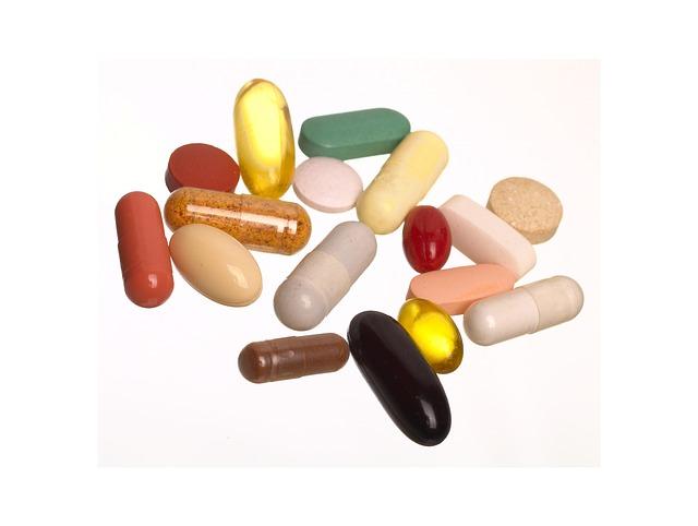 různobarevné tabletky